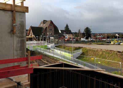 Blick auf den Bahnhof und in die Voreifel